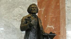 frederick-douglass-statue
